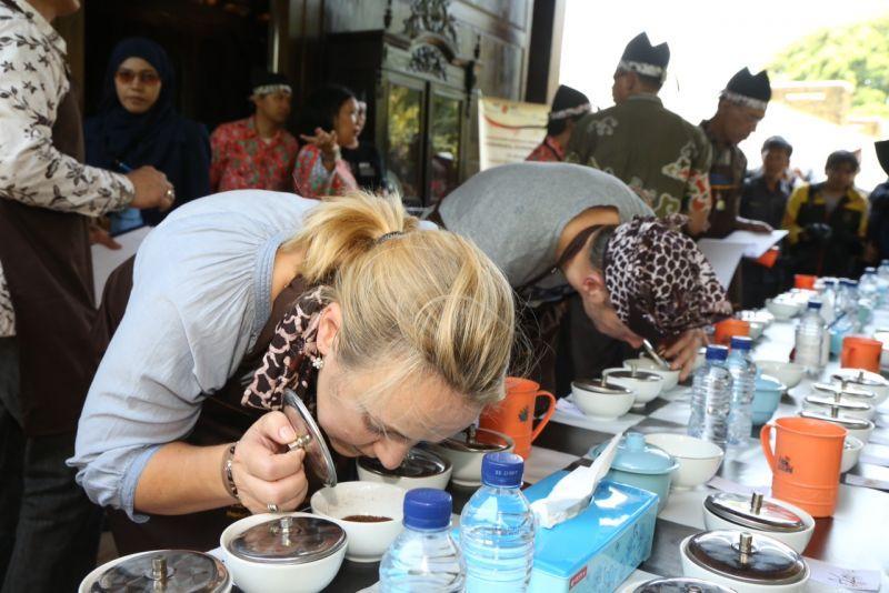 Kontes Kopi di Kabupaten Banyuwangi beberapa waktu lalu
