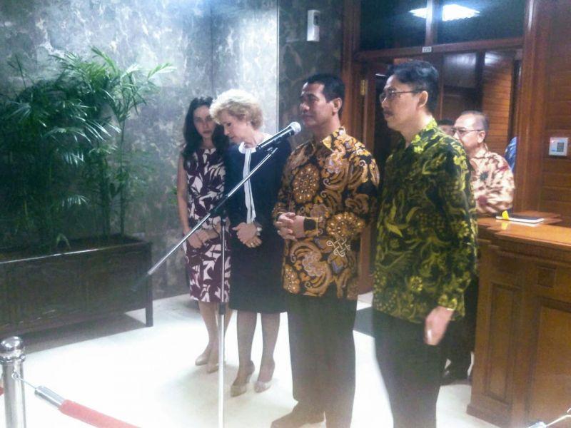 Menteri  Pertanian Amran Sulaiman saat bertemu Duta Besar Rusia untuk Indonesia Ludmila Vorobieva.