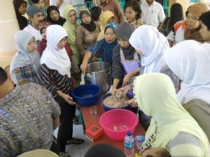 Pelatihan pembuatan bakso ikan di Banyuwangi